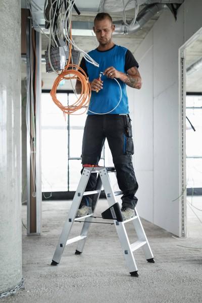 Günzburger Aluminium-Stufen-Stehleiter beidseitig begehbar 2 x 7 Stufen, 40214