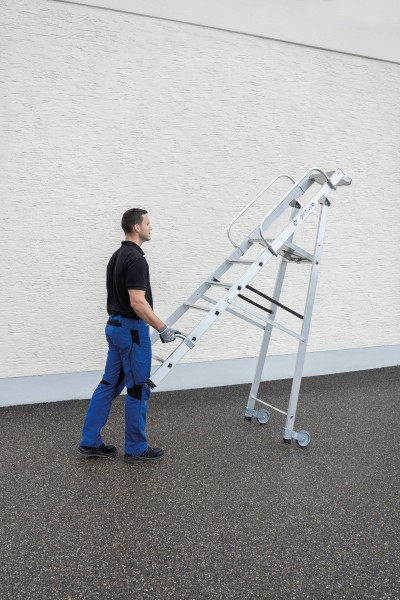 Günzburger Aluminium-Stehleiter mit Rollen und Griff 7 Stufen, 51087