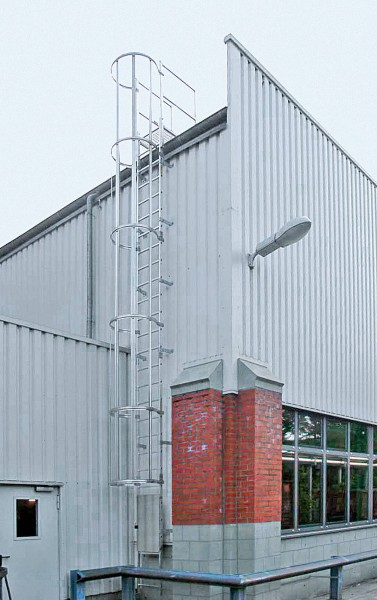 Günzburger Mehrzügige Steigleitern mit Rückenschutz Aluminium eloxiert, 500135